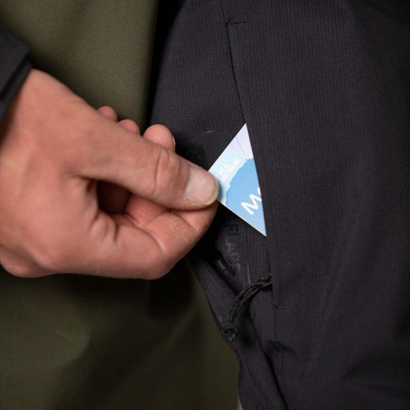 Forearm pass pocket